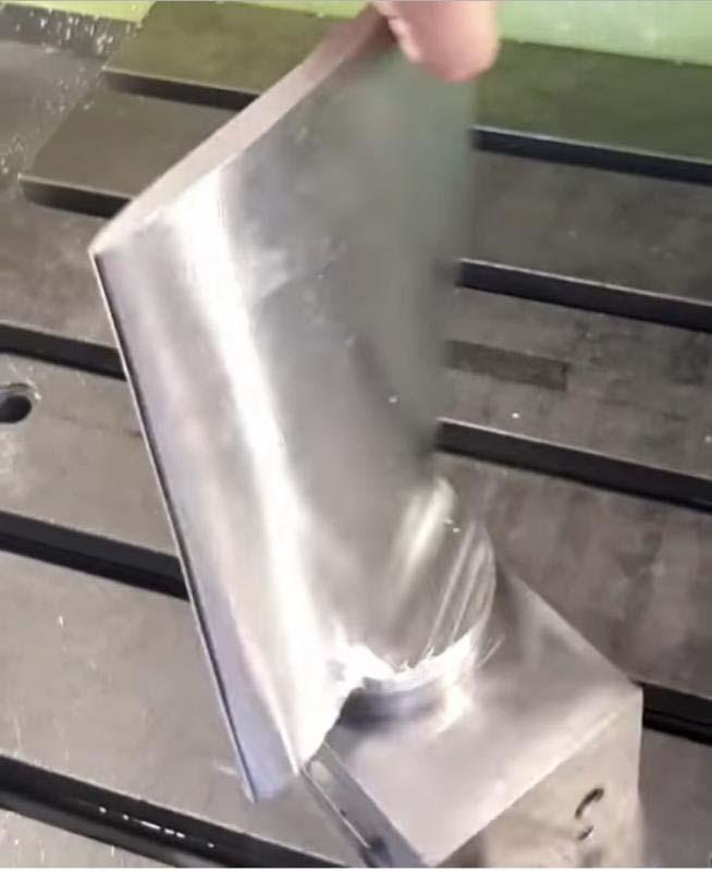 Fabricação de peças sob desenho